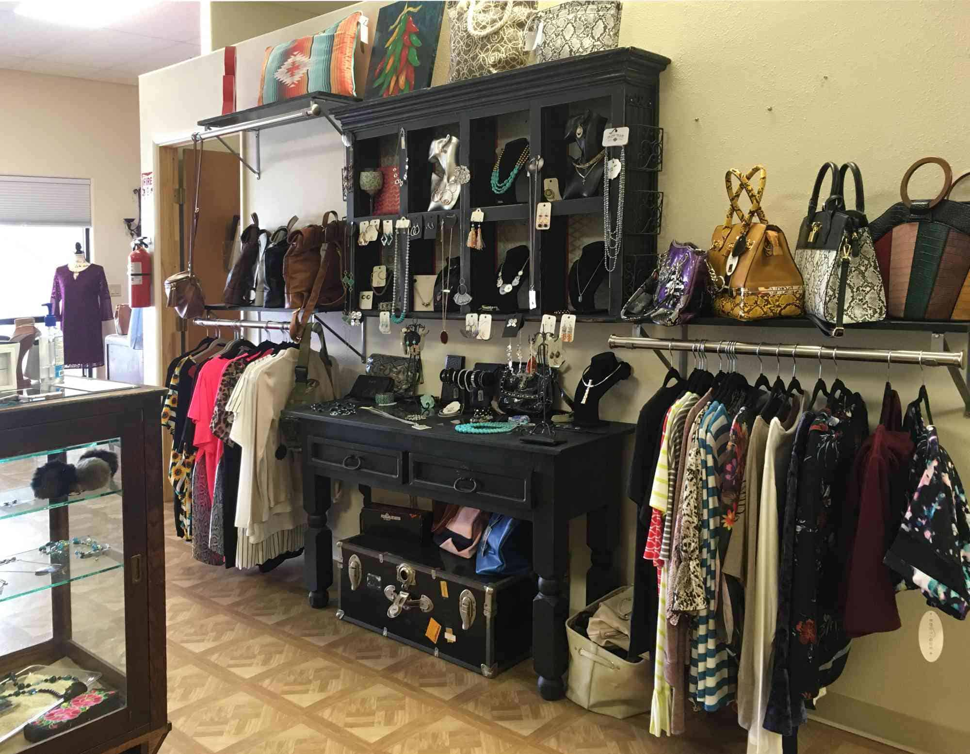 clothing at tips and toes Salon